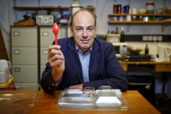 charles spence in his lab 010
